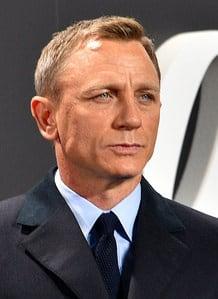 Daniel Craig face Wikipedia