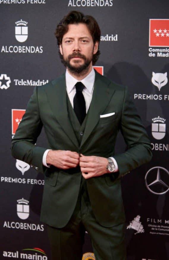 Álvaro Morte Premios Feroz twitter